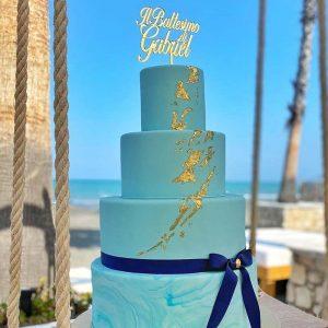 mindwood-cake-topper-plaxiglass-gold-location2